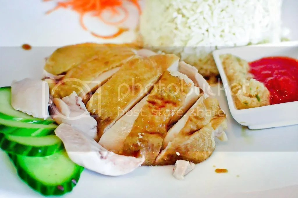Hai-nan Steamed Chicken with Chicken Rice
