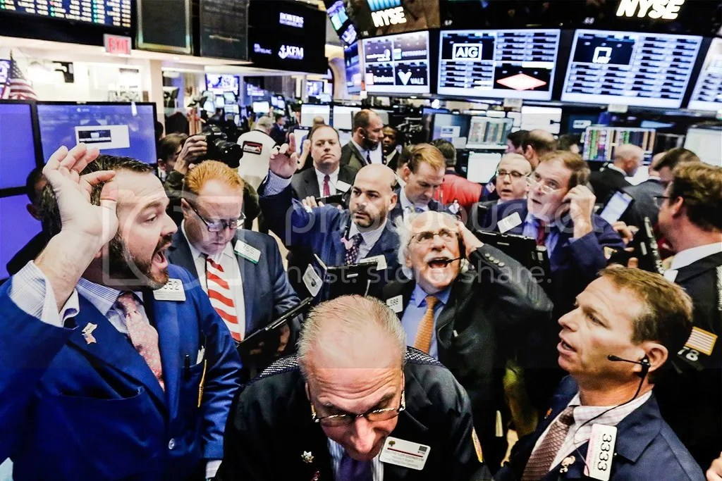 photo donald-trump-new-york-stock-exchange_zps4g6hafi5.jpg