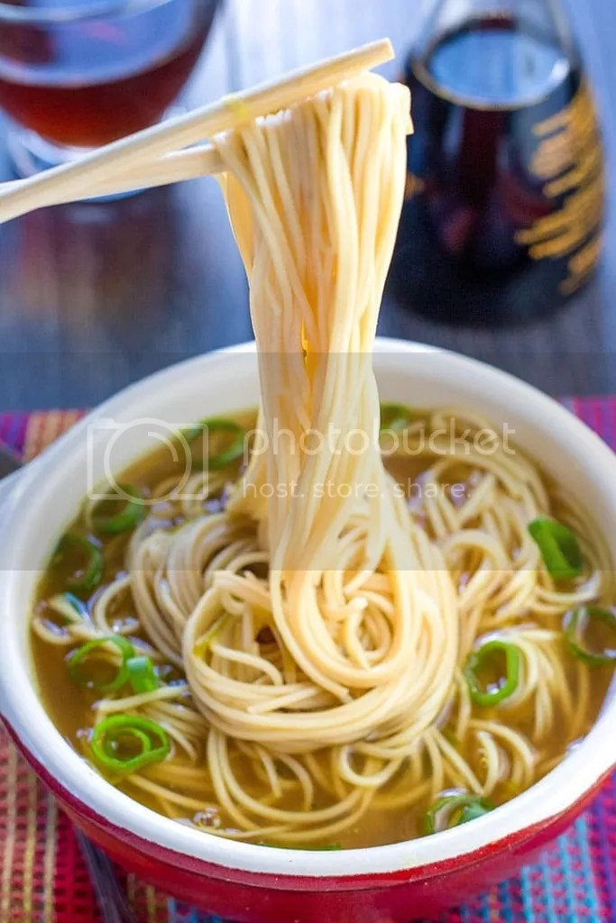 photo quick-and-easy-chinese-noodle-soup3-1_zpsemiydc1i.jpg