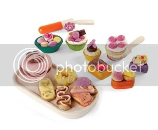 photo Plan-Toys-Pastry-Dough-Set-Play-Food_zpss5jo3lkb.jpg