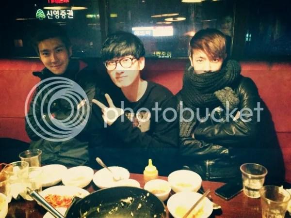 photo 20130205_siwoneunhyukdonghae_dinner_zps5df828bd.jpg