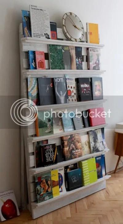 photo biblioteca-pallet_zps31517a5d.jpg