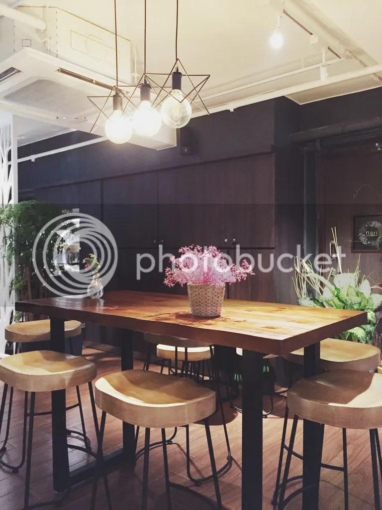 Flori Flower & Korean Café