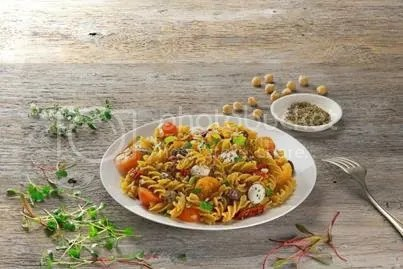 Pasta recipe: Organic Chickpea Fusilli with Mozzarella Pearls, Tomatoes and Olives