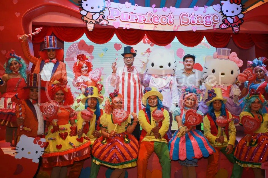 photo Fahruddin Najmudeen and Aaron Gan with The Candy Parade performers_zpsfiyvyass.jpeg