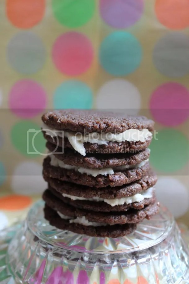 "Easy Homemade ""Oreos"" - Chocolate Sandwich Cookies (vegan adaptable) 