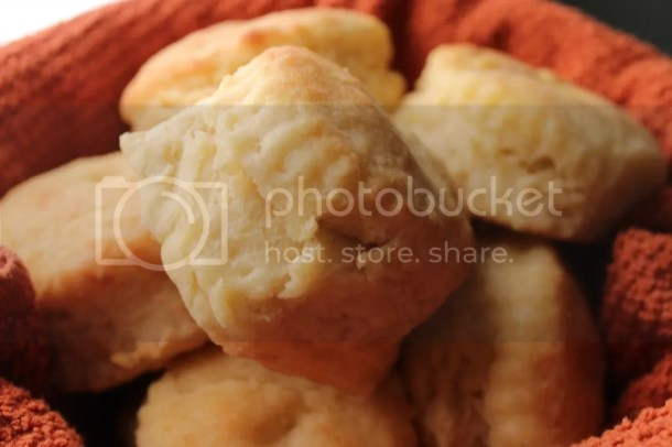 Fluffy Homemade Buttermilk Biscuits