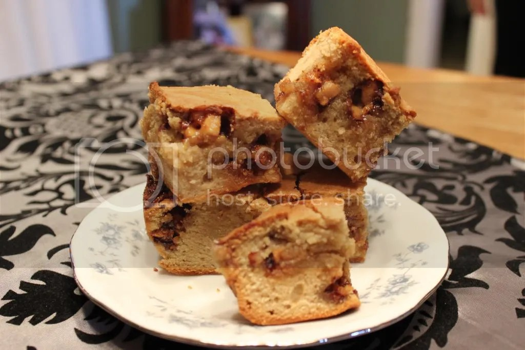 Snickers Blondies - Loaded with Peanuts, Chocolate, and Caramel