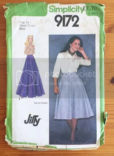 photo Simplicity 9172 Circle Skirt Vintage Pledge 2016 Sew Victoria_zpsvwkayq8l.jpg