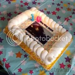 Keek op de week @ Veusteveul, de oudste viert haar verjaardag met HEMA taart!
