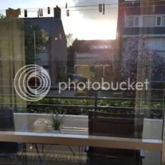 De ramen zijn schoon zonder sop maar alleen met water en die raamdoeken!