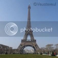 Strak blauwe lucht, Eiffeltoren Parijs!
