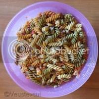 Pastasalade met spek, champignon en zoete puntpaprika