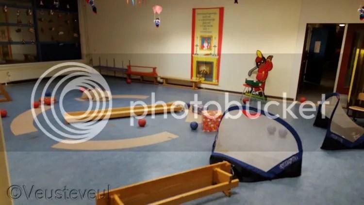 Malle Piet, Opa Piet en Paarse Piet maakte er een zooitje van in de gymzaal