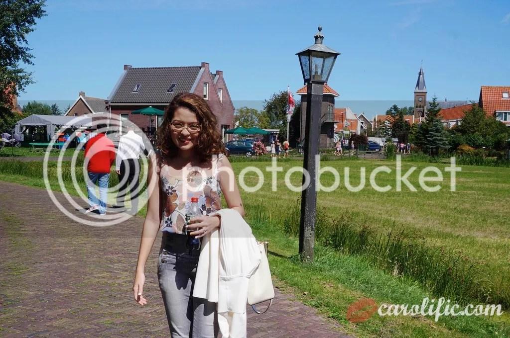 Travel, Amsterdam, The Netherlands, Zaanse Schans, Amsterdam Centraal, Where to Go, How to Go to Volendam, How to go to Marken, What to See, Sightseeing, Old Dutch Town, Volendam, Marken, Windmills, Dutch, Holland, Netherlands,
