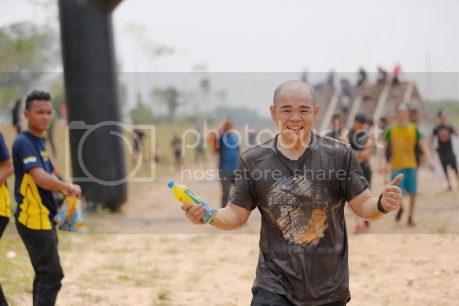 photo Participants of the Spartan Race hydrating with Lucozade Sport 2_zps1qoiflzh.jpg