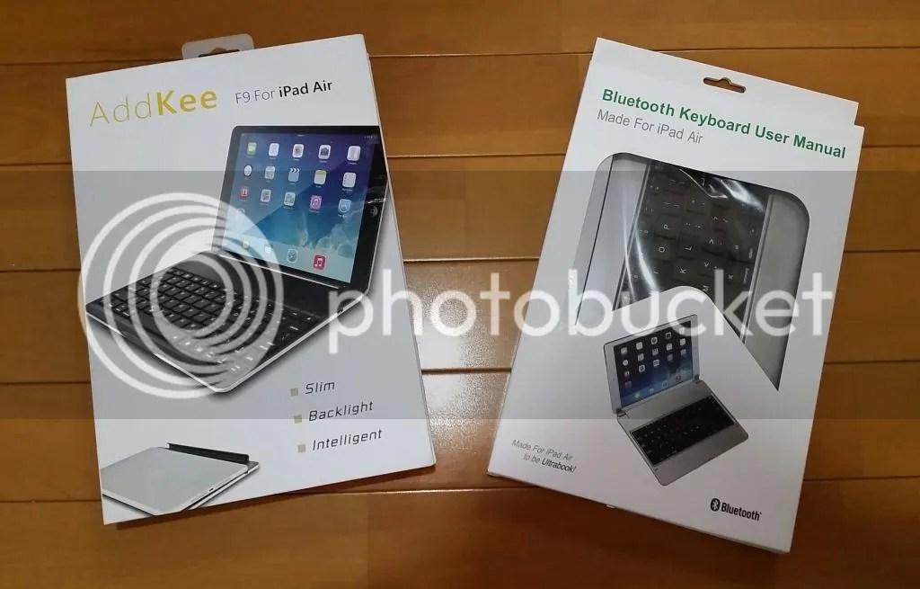 Win/Androidタブレット用に左のBTキーボードを購入したが物理的にタブレットが固定用スロットに収まらず、しょうがなく右のを購入。