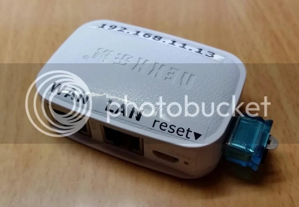 USB micro SDカードアダプタを挿してもさほどでっぱりのないNexx WT3020F