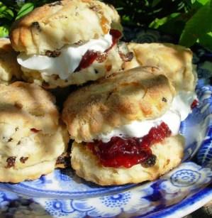 Be-Ro Scones with Jam and Cream