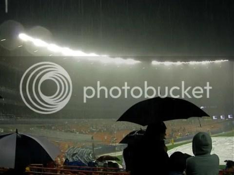 Rain delay at Shea stadium