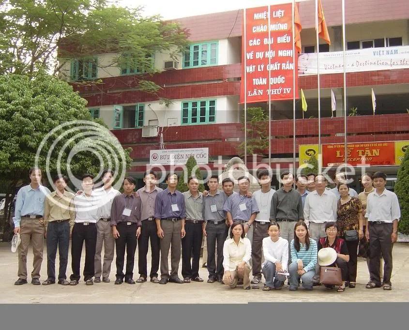 Đoàn Khoa Vật lý dự Hội nghị VLCR 2003