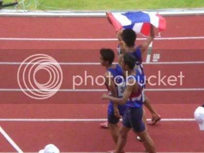 Thai athletes on their lap of honour