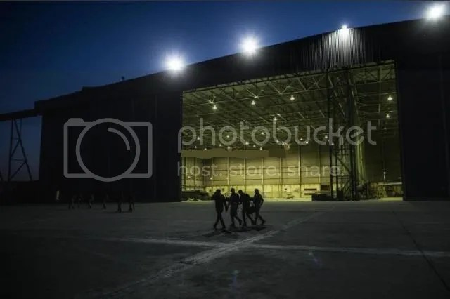 EIN AL-ASAD AIR BASE, Nov. 12, 2014: Iraqi soldiers walk in front of a hangar at an air base in Baghdad, capital of Iraq, on Nov.11, 2014