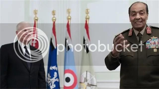 Hussein Tantawi with Defense Secretary Gates