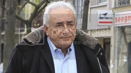 Dominique Strauss-Kahn settles in New York, prior to December 19 French hearing