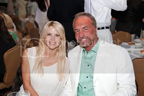 Place of Hope welcomed more than 600 guests to its 2015 Hope Bash, which honored local philanthropist and child advocate Elin Nordegren with the inaugural Harris L. Weinstein Hero of Hope award. Elin Nordegren and Chris Cline May 2015