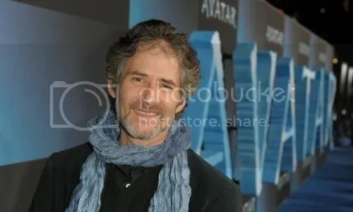 James Horner in 2009 at the premiere of Avatar, standing in front of the film's title wearing his trademark scarf.