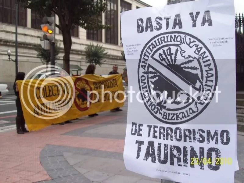 Basta de terrorismo taurino