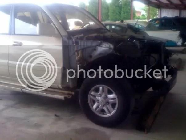 Wrecked 1998 Lexus LX470