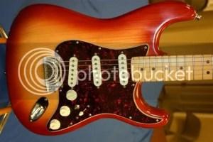 60th Ann Sienna Burst Deluxe Stratocaster Fishman active