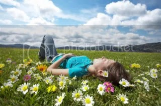girlinmeadow.jpg girl in meadow picture by duffoliver