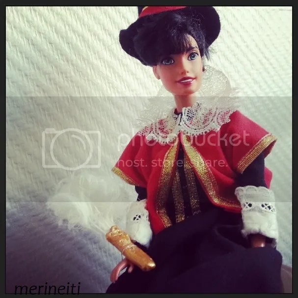 Jacobean doll dress after 1616 Pocahontas portrait. Don't have Disney Pocahontas doll myself so Esmeralda is modeling