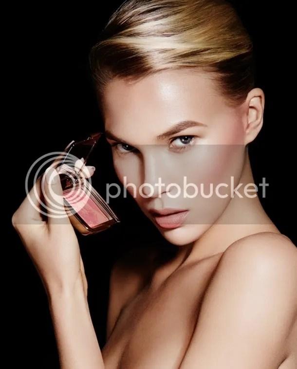 photo Hourglass-Cosmetics-Ambient-Lighting-Blush.jpg