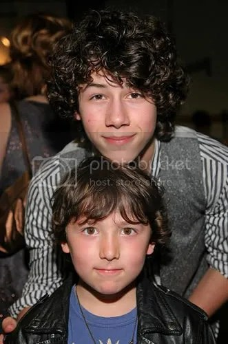 1270306313_a1d17cec80.jpg Nick and Frankie Jonas image by Melon811x