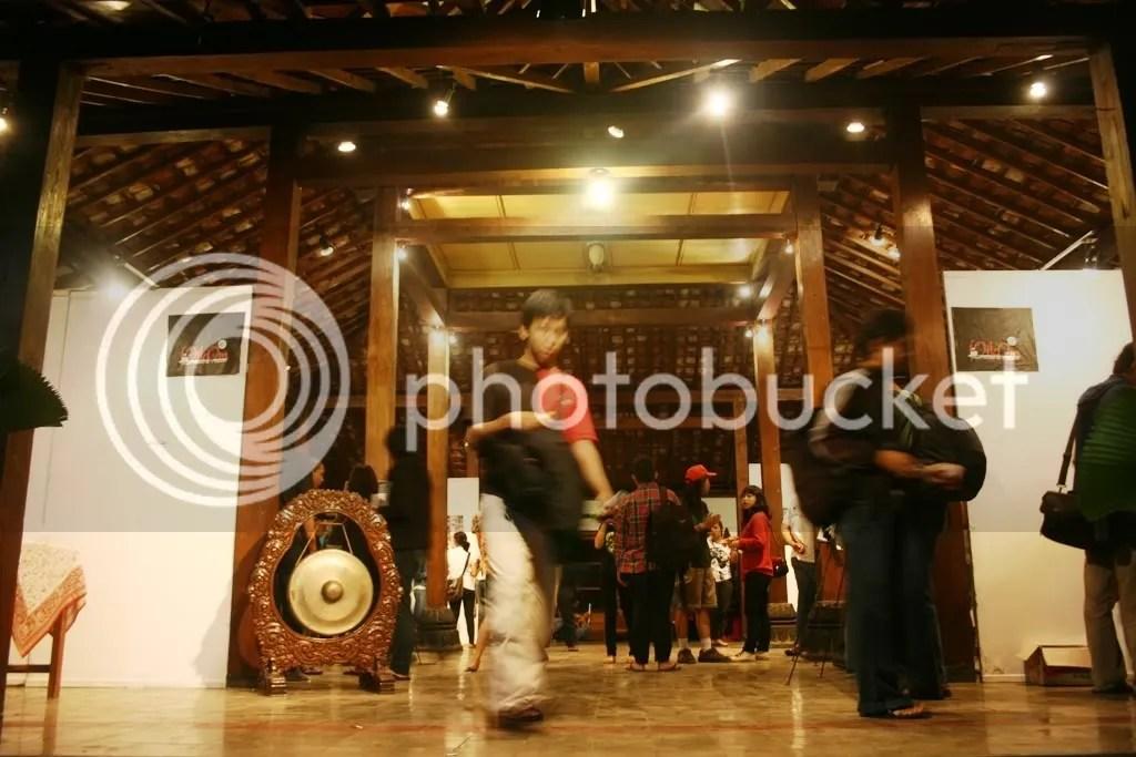 Suasana Pameran yang diadakan Kelompok Studi Fotografi UPN YK merupakan pameran perdana angkatan ke-9