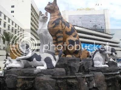 T3h epic cat statue