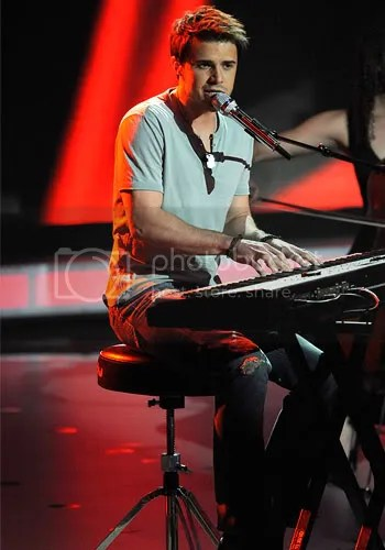 Didnt know he plays the piano! And he worked it out!