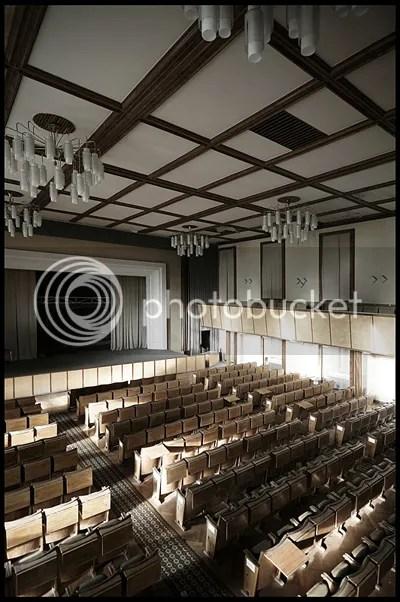 duitsland, germany, deutschland, abandoned, verlaten, photography, fotografie, decay, urban, exploration, urbex, abandonnee, architecture, ddr, hörsaal, military, school