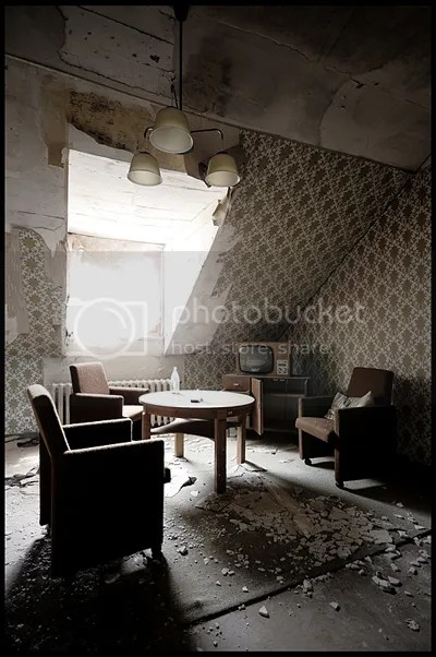 duitsland, germany, deutschland, abandoned, verlaten, photography, fotografie, decay, urban, exploration, urbex, abandonnee, architecture, hotel, hh, eastern, russian, officers, iron, curtain