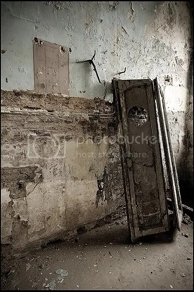 abandoned, architecture, belgique, belgium, decay, exploration, photography, urban, urban exploration, urbex, castle, Château, des, Italiens, Italians, factory, noble, families