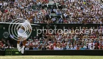 Roger Federer aces