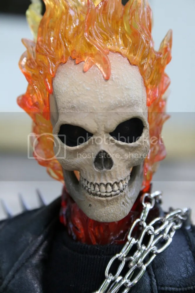 Hot Toys Ghost Rider 1:6th Figure Review (5/6)