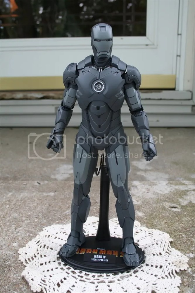 Hot Toys Iron Man 2 Mark IV Secret Project Comic-Con Exclusive (1/5)