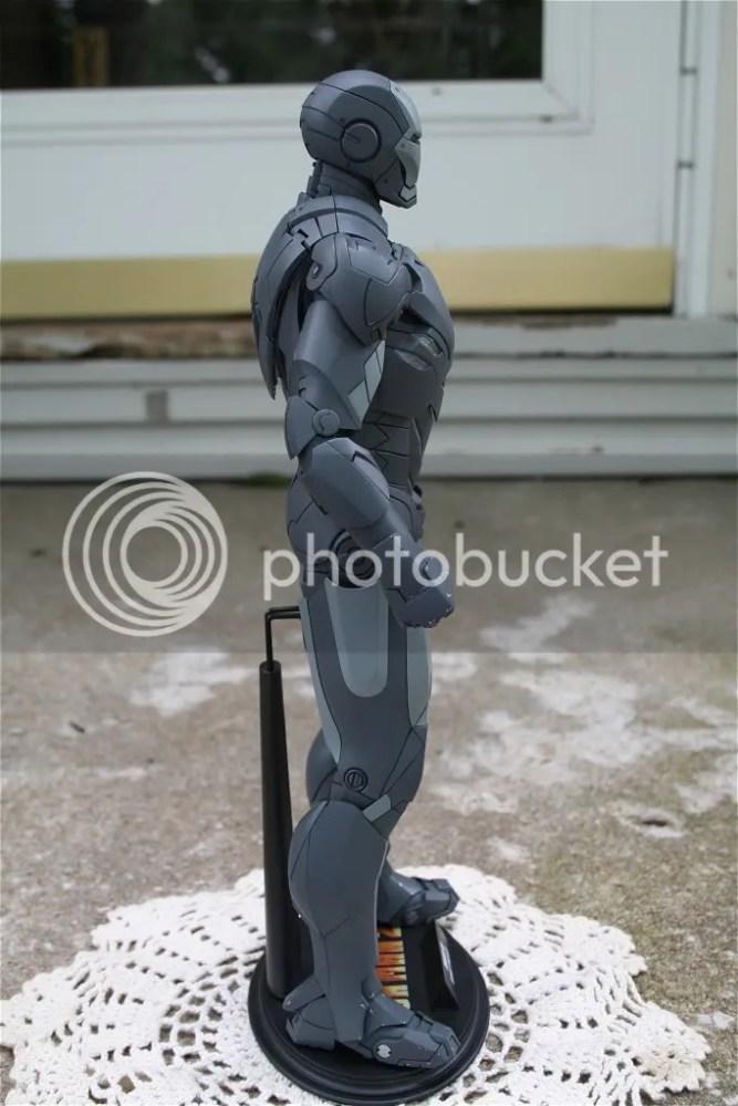 Hot Toys Iron Man 2 Mark IV Secret Project Comic-Con Exclusive (4/5)