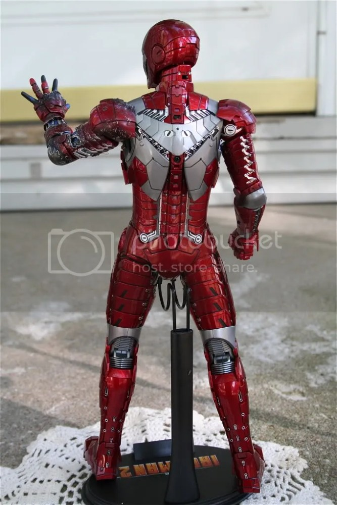 Hot Toys Iron Man 2 Mark V Review (3/6)