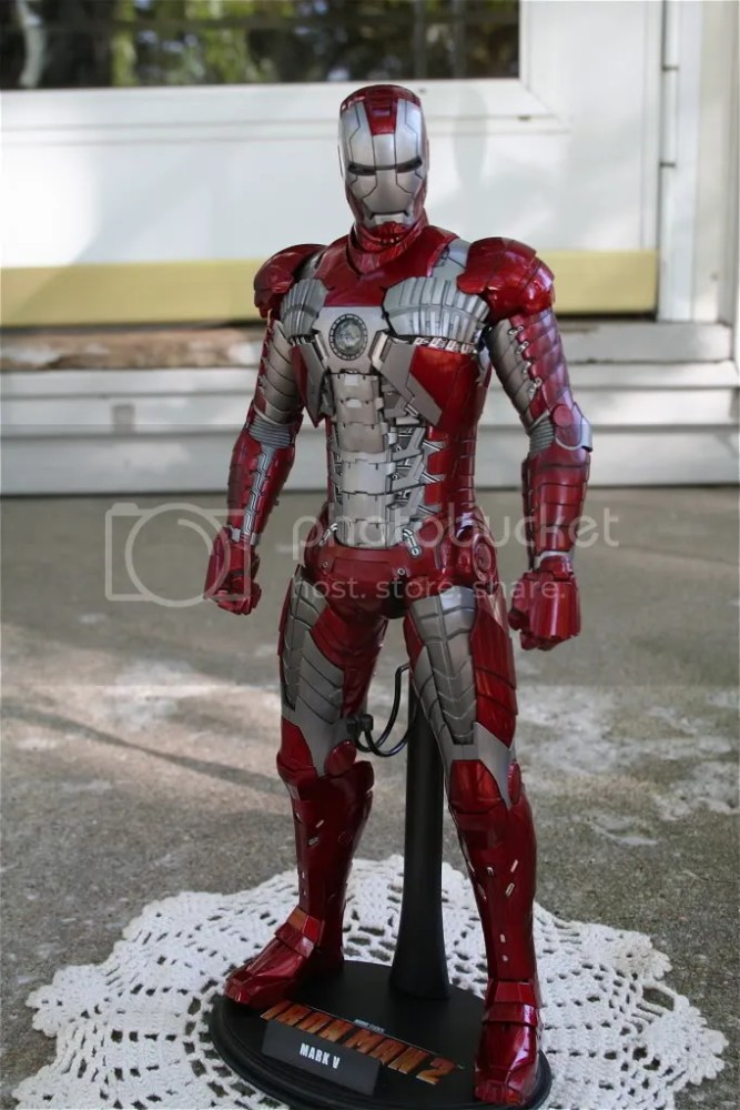 Hot Toys Iron Man 2 Mark V Review (5/6)